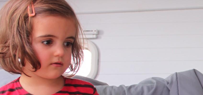 Erell fait visiter l'intérieur du bateau